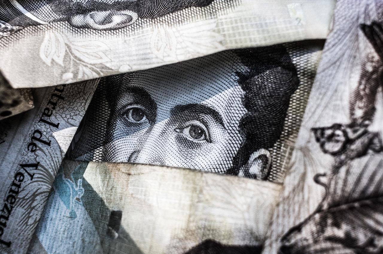 Bancos, Cooperativas y otras instituciones financieras.